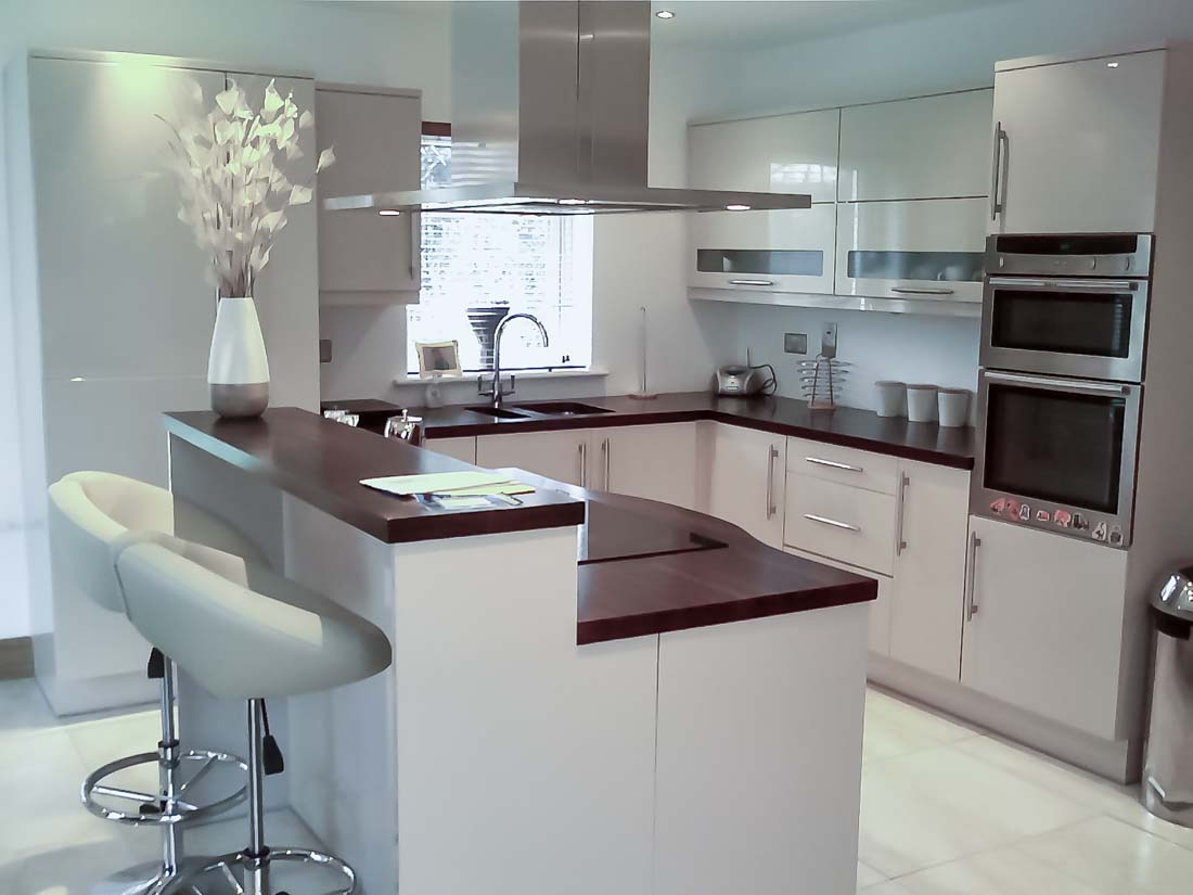 cream high gloss kitchen 4 stylecraft kitchens and